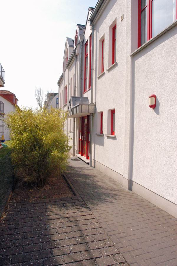 reihenhaus maisonette wohnung in butzbach zu vermieten au enansicht. Black Bedroom Furniture Sets. Home Design Ideas